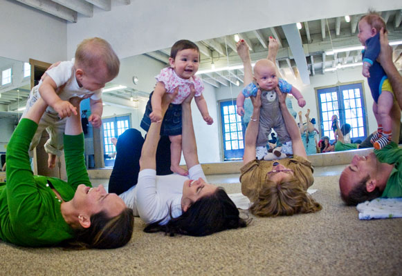 "Top ""Mommy and Me"" Classes in Sacramento – CBS Sacramento"