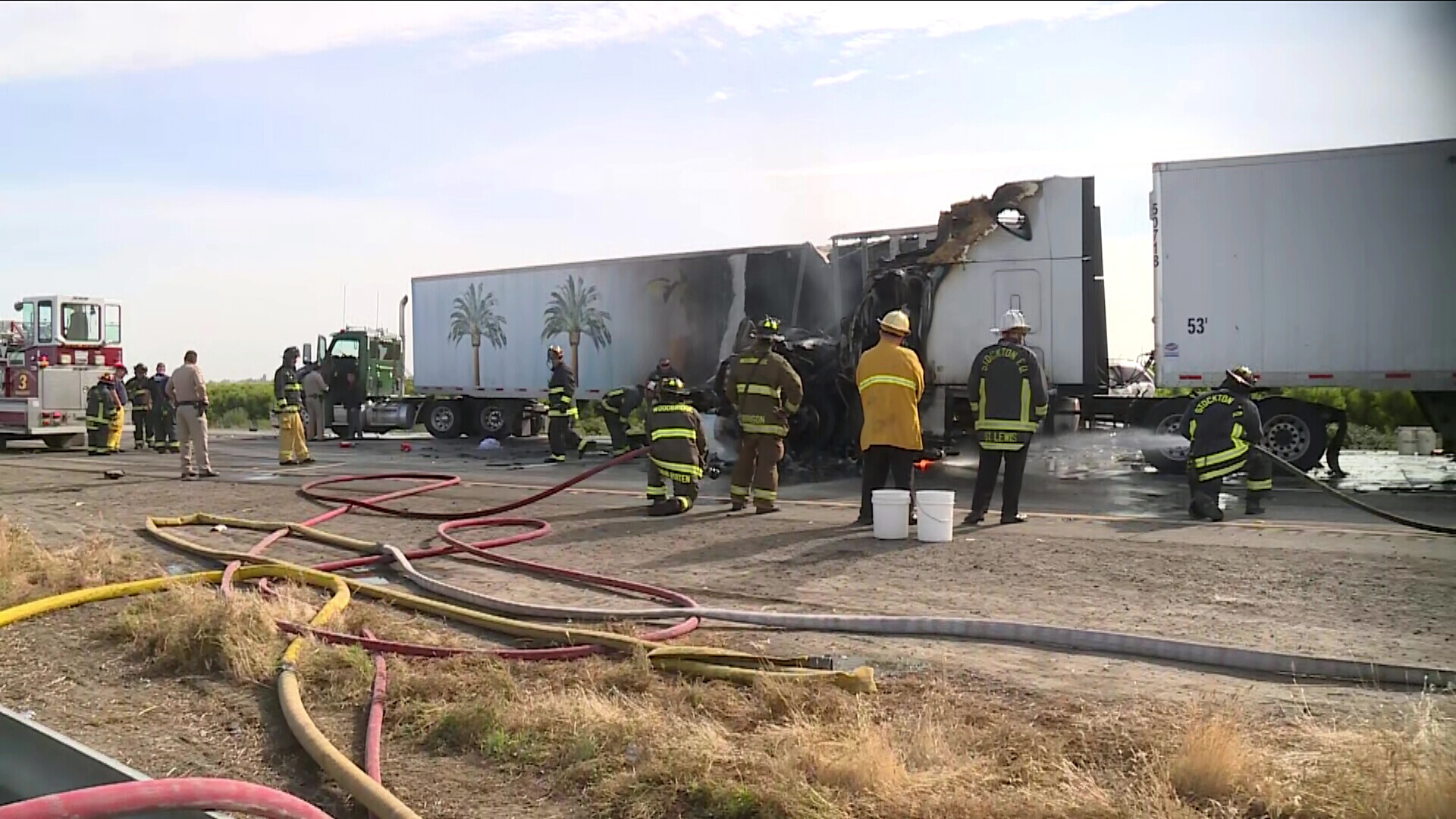 2 Dead In Chain-Reaction Crash Involving Big Rigs, Sedans